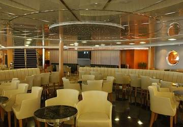 cyclades_fast_ferries_theologos_p_cafe_seating